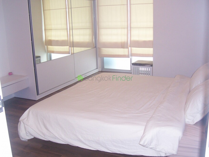 79 Sukhumvit,Bangkok,Thailand,2 Bedrooms Bedrooms,1 BathroomBathrooms,Condo,The Room 79,Sukhumvit,5403